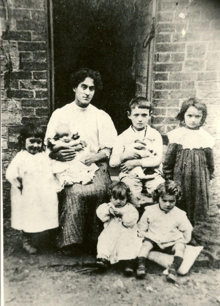Bentley Family 1916