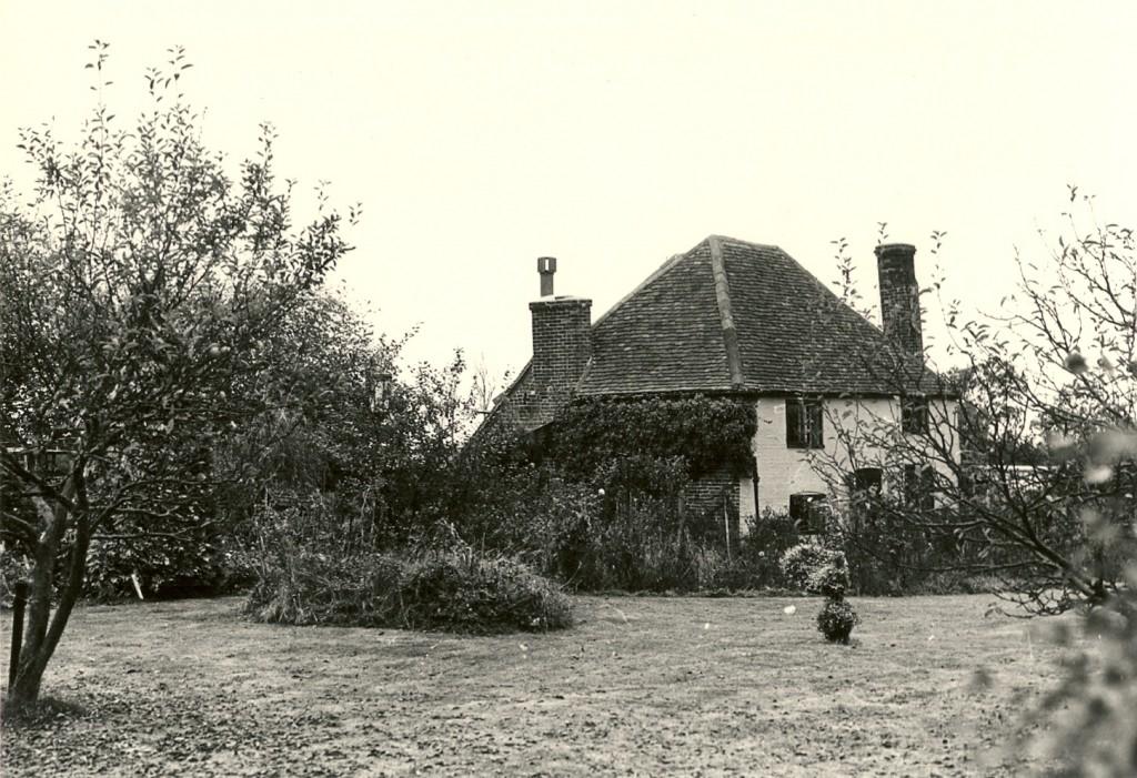 Hollybush Farmhouse Loveland family Wood Street Village