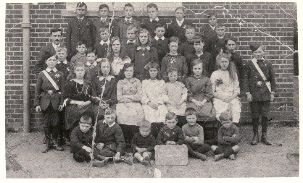 Wood Street School - Mr Oyston's class of 1918